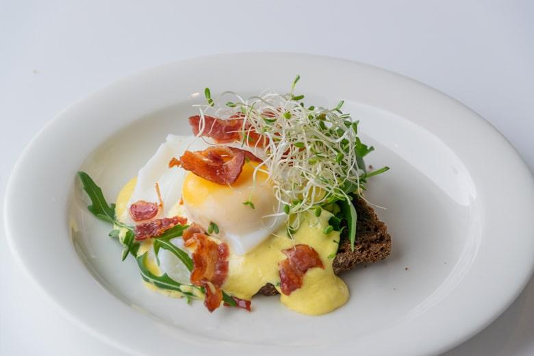 Uotilan Eggs Benedict